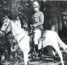 Winston Churchill with pith helmet serving with 4th Hussars in India, 1898 photo from www.swordforum.com
