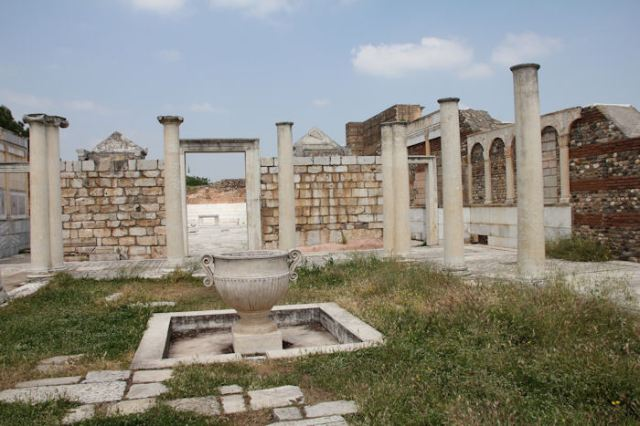 Excavation of Synagogue Sardis photo from forumancientcoins.com